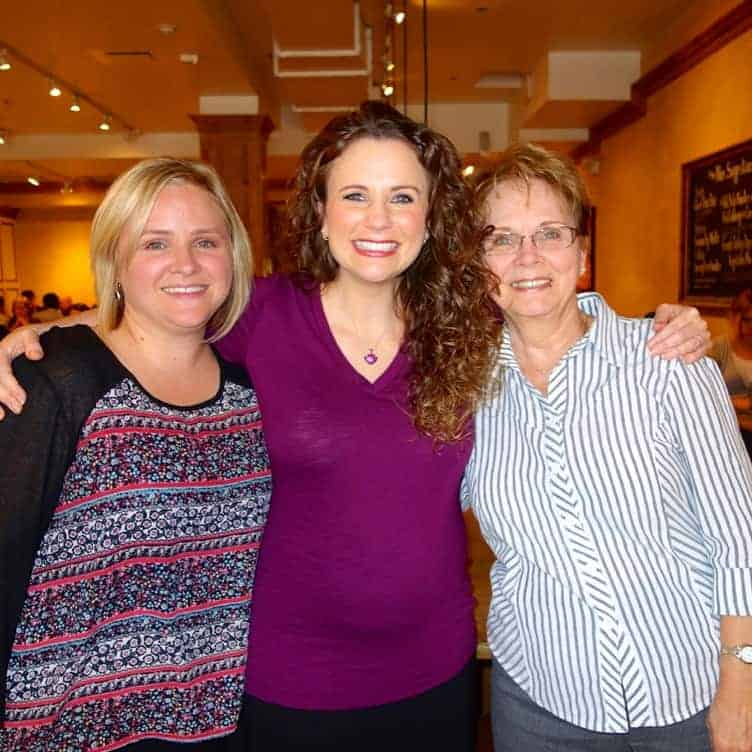 Out to lunch with my BFF, Erin, and her Mom, Norma, at 17 Weeks. I love these two!! The three of us go way back.