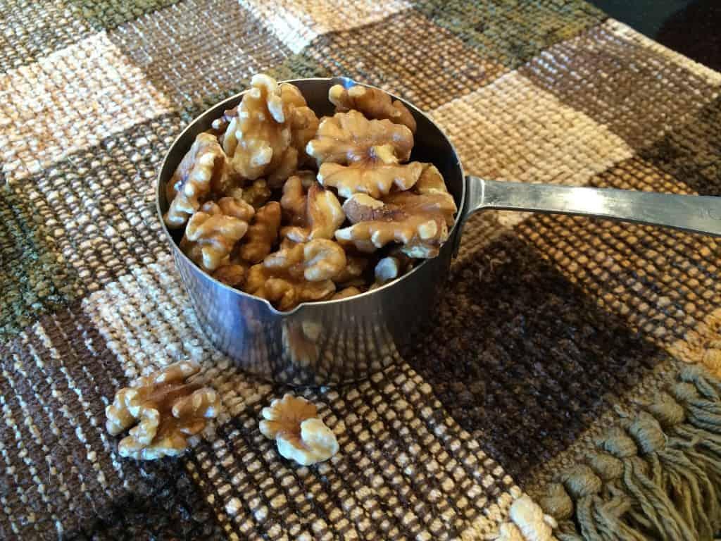 1 cup of raw walnuts