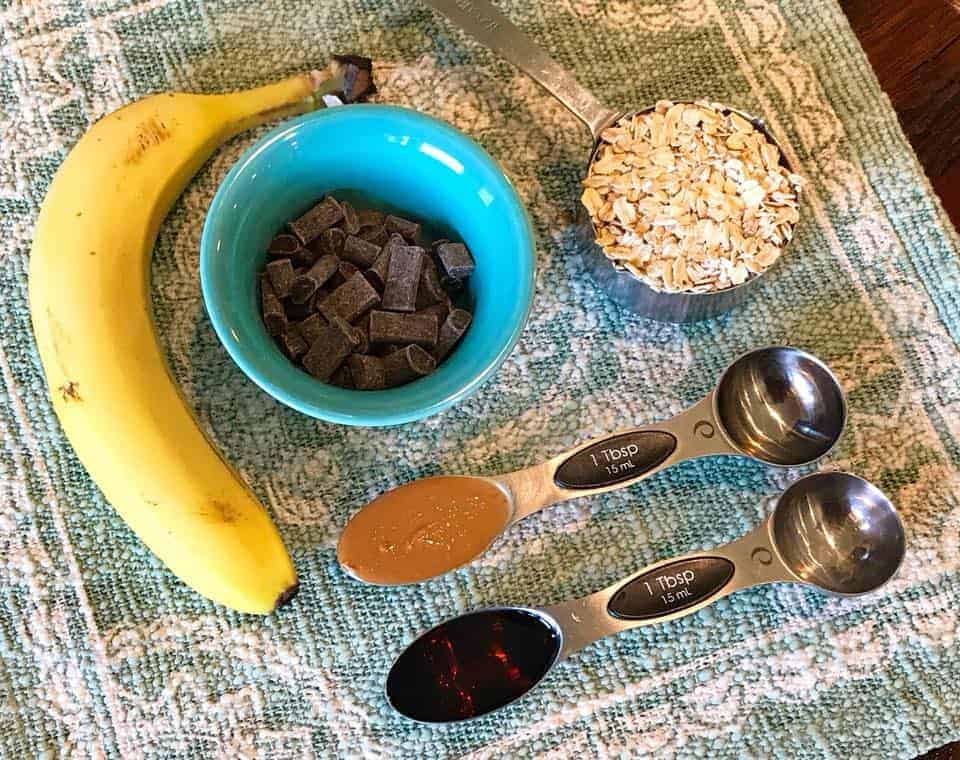 All ingredients for the 5-ingredient guiltless Elvis cookies